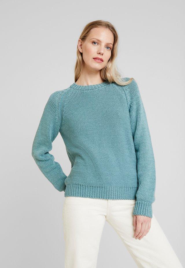 RUNDHALS - Pullover - soft salvia