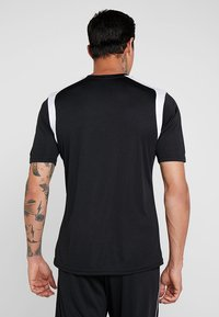 Joma - CHAMPION - T-shirt imprimé - black/white - 2