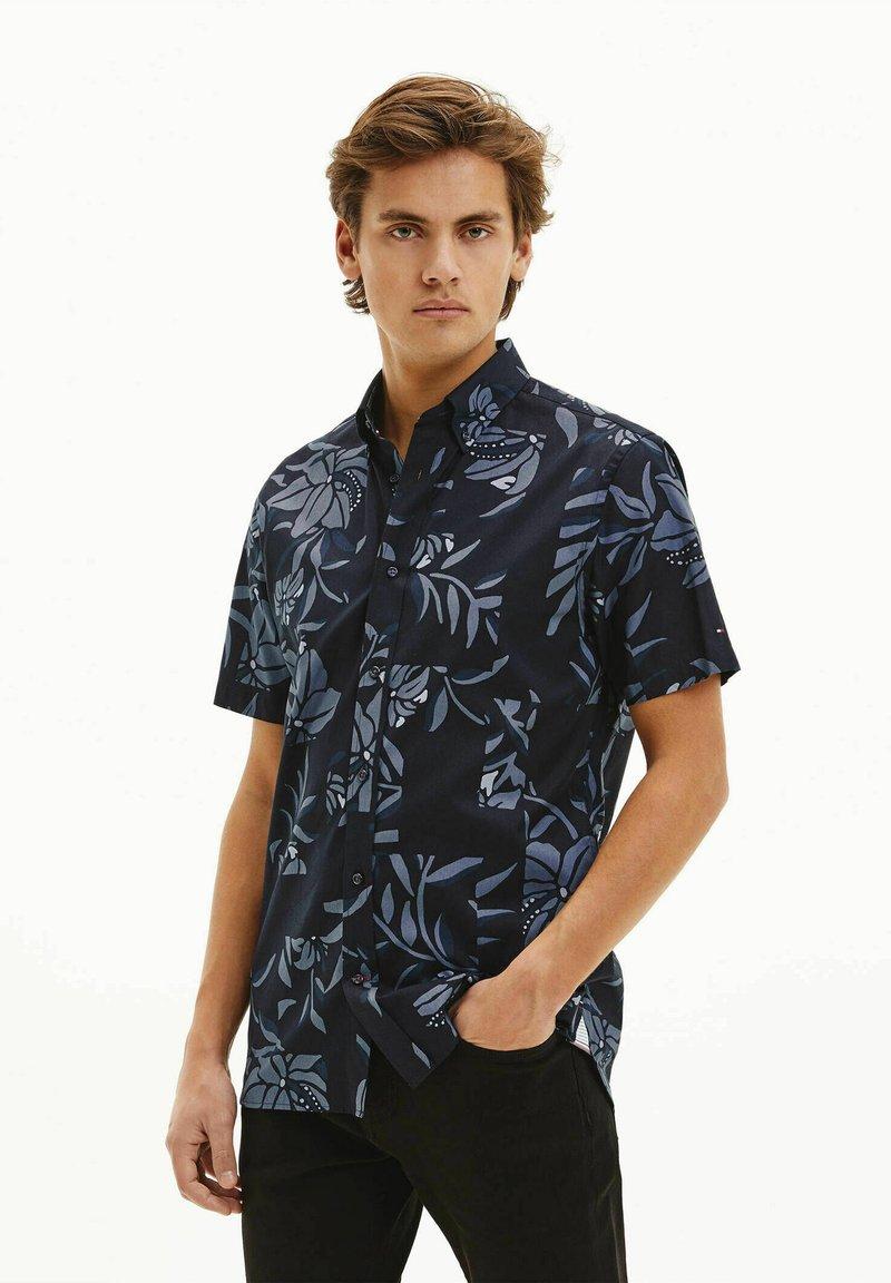 Tommy Hilfiger - PATCHWORK FLORAL PRINT - Shirt - marine