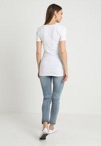 Boob - CLASSIC SHORT SLEEVED - Jednoduché triko - white - 2