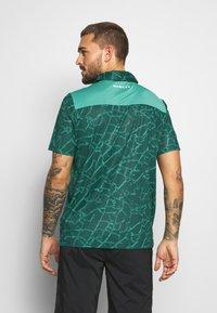 Oakley - BROKEN GLASS - Polo shirt - green - 2