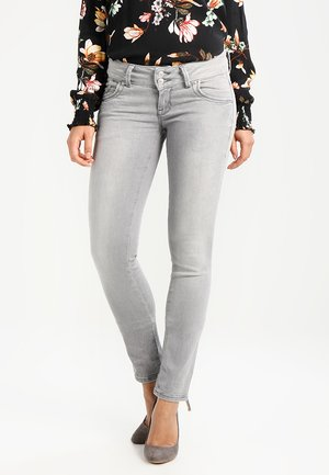 MOLLY - Slim fit jeans - dia wash