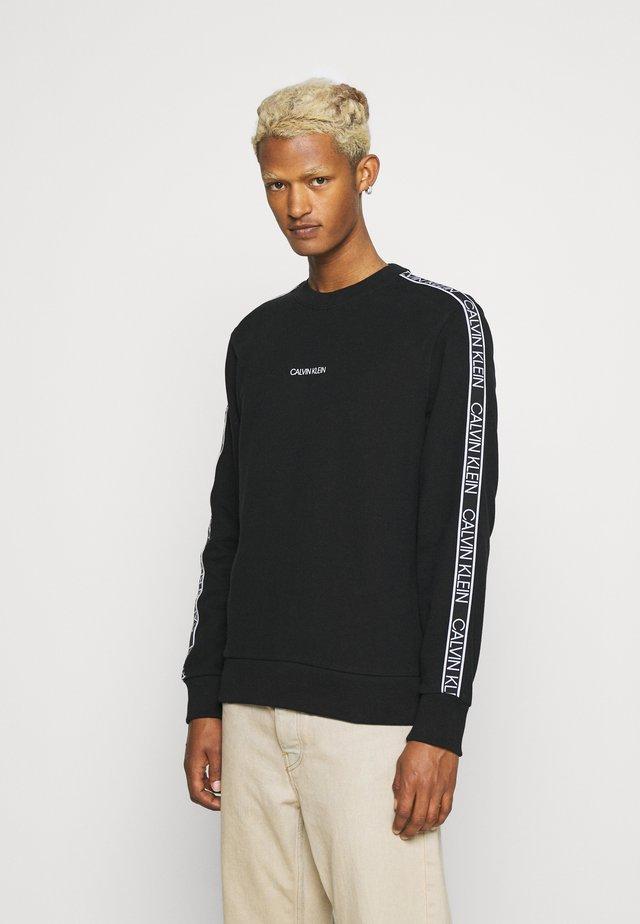 ESSENTIAL LOGO TAPE  - Sweatshirt - black
