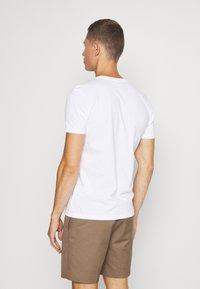 Napapijri - SELLYN - T-shirt med print - bright white - 2