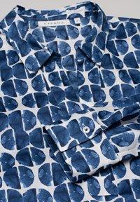 Eterna - Eterna MODERN CLASSIC  - Blouse - blauweiß - 4