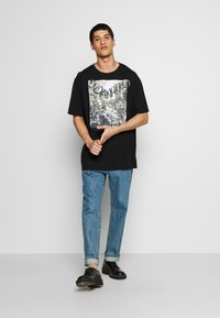 Vivienne Westwood - OVERSIZED CLASSIC - T-shirt con stampa - black - 1