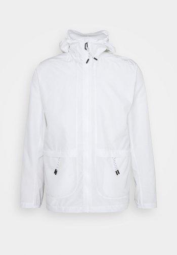 OUTLIFE PACKABLE - Outdoorová bunda - white