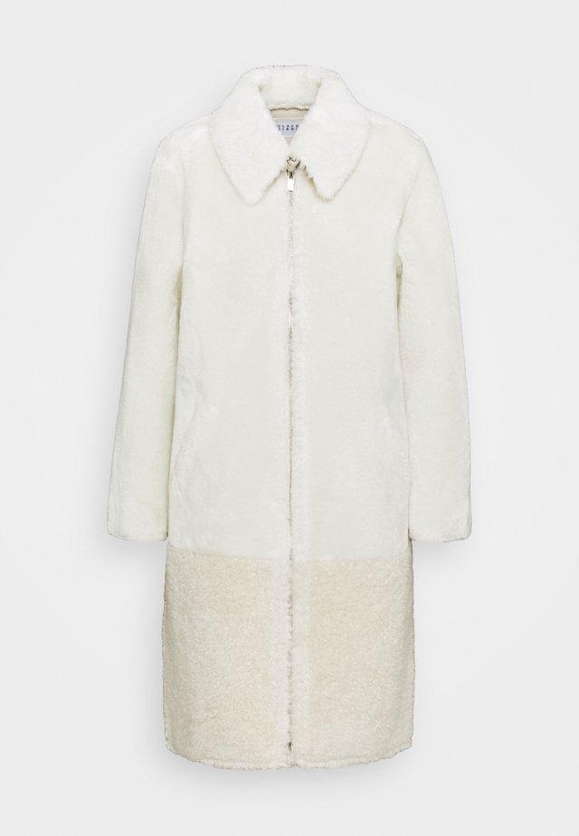 FENDA - Classic coat - ecru
