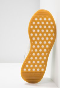 adidas Originals - MARATHON TECH  - Trainers - raw white/sesame/bright yellow - 6