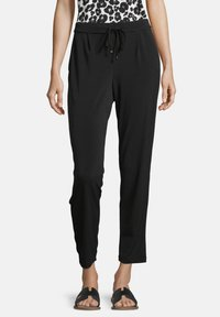 Betty & Co - SCHLUPFHOSE MIT ELASTISCHEM BUND - Tracksuit bottoms - schwarz - 0