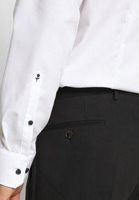 Seidensticker - BUSINESS KENT PATCH - Formal shirt - weiß - 5