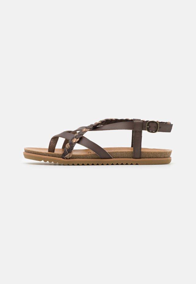 T-bar sandals - tobacco/multicolor