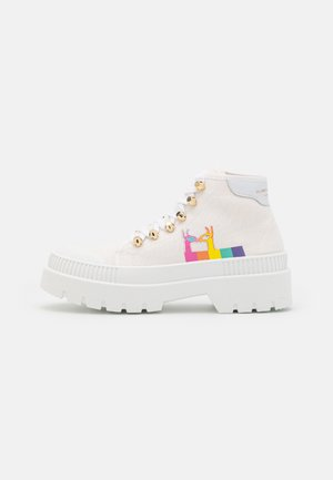 LUCAS LLAMA - Lace-up ankle boots - white
