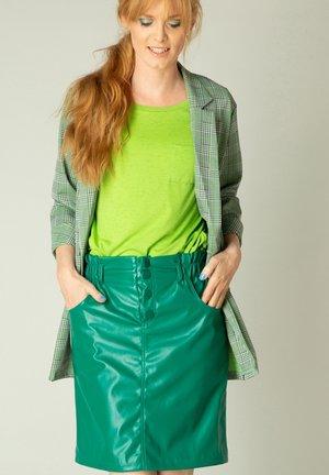 A-line skirt - bright green