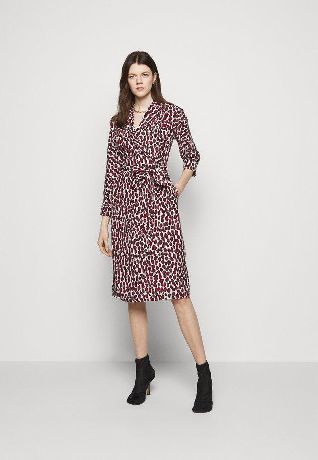 JULIE FASHIONISTA DRESS - Korte jurk - red
