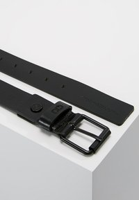 Calvin Klein Jeans - BELT - Belt - black - 2