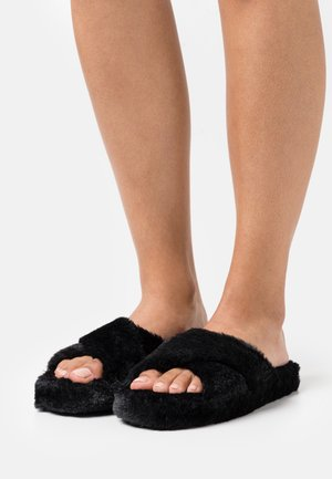 CITADEL - Domácí obuv - black