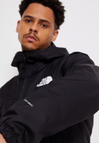 The North Face - MENS QUEST JACKET - Chaqueta Hard shell - black - 6