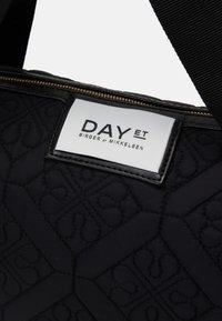 DAY ET - GWENETH FLOTILE CROSS - Tote bag - black - 3