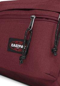 Eastpak - Rucksack - crafty wine - 3