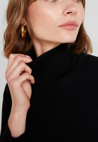 Missguided - ROLL NECK  - Strickpullover - black - 3