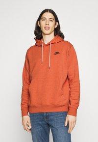 Nike Sportswear - HOODIE - Hoodie - light sienna - 0