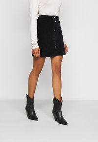 ONLY Petite - ONLFENJA LIFE BUTTON SKIRT - Mini skirt - black - 0