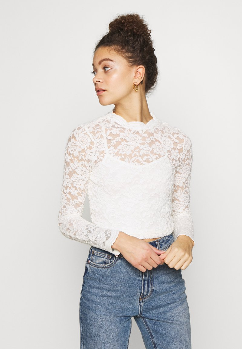 ONLY Petite - ONLJANINA CROPPED - Blouse - cloud dancer