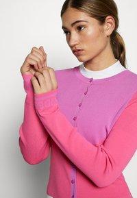 J.LINDEBERG - MELODY - Bluza rozpinana - pop pink - 4