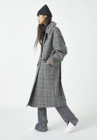 PULL&BEAR - Classic coat - dark grey - 3