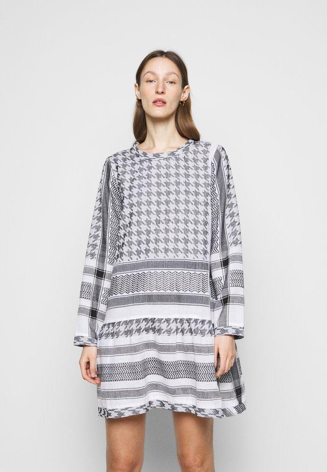DRESS LIGHT - Vestito estivo - flush