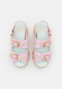 Buffalo - MARINA HOERMANSEDER X BUFFALO BUCKLETREATS CANDY VEGAN - Platform sandals - candy glitter - 5
