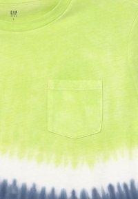 GAP - BOY TIE DYE  - T-shirt con stampa - yellow - 2