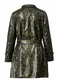 Sara Lindholm by HAPPYsize - Short coat - grün schwarz - 4