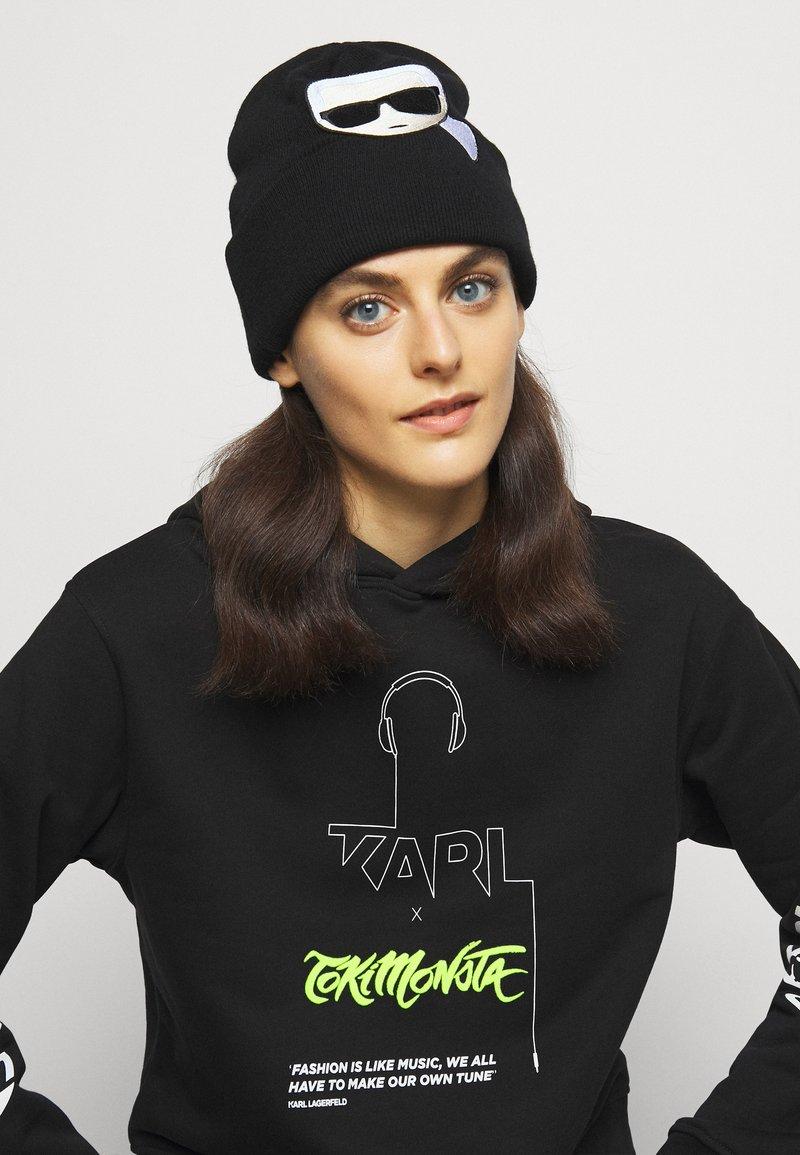 KARL LAGERFELD - IKONIK EMBROIDERY BEANIE - Bonnet - black