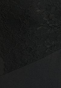 Pieces - PCTATIANNA BODYSTOCKING - Triko spotiskem - black - 2