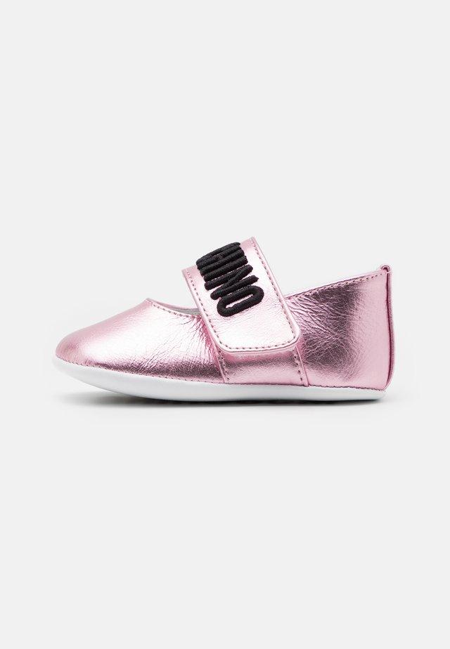 Kravlesko - light pink