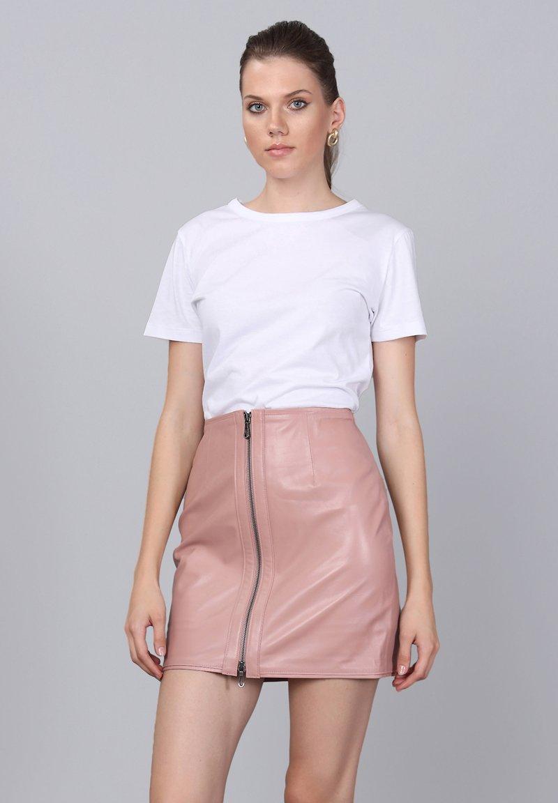 Basics and More - Leather skirt - powder