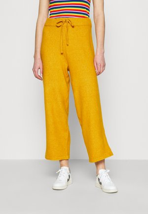 MAJA TROUSERS - Joggebukse - yellow