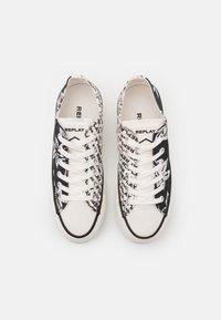 Replay - KEMPLEY - Sneakersy niskie - black/white - 5