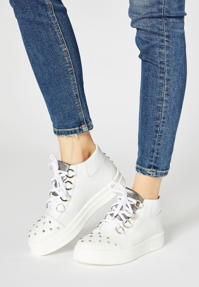 Zapatillas altas - white