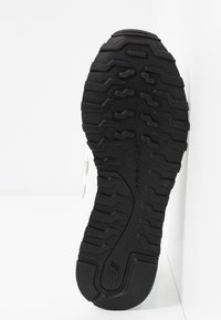 New Balance - GW500 - Sneakersy niskie - munsell white - 6