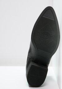 Vagabond - MARJA - Ankelstøvler - black - 5