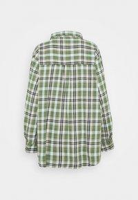 Cotton On - BOYFRIEND - Button-down blouse - jennifer forest green - 1