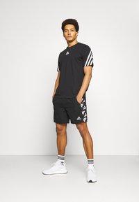 adidas Performance - CELEB SHORT - Urheilushortsit - black/white - 1