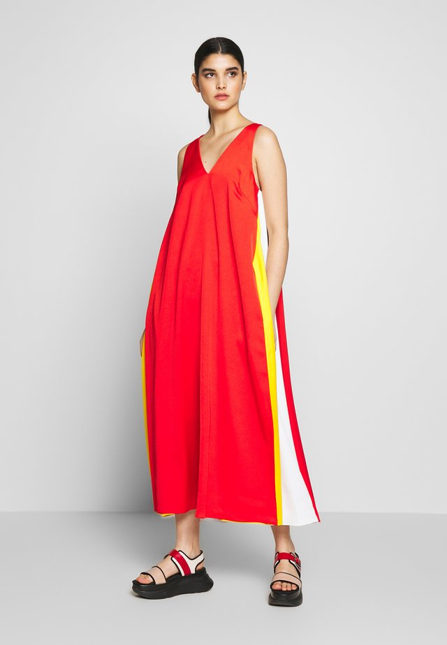 NADIA DRESS - Maxi-jurk - bride red
