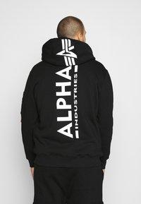 Alpha Industries - BACK PRINT HOODY EXCLUSIV - Hoodie - schwarz - 2
