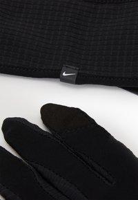 Nike Performance - MENS ESSENTIAL RUNNING HEADBAND AND GLOVE SET - Guanti - black/silver - 3