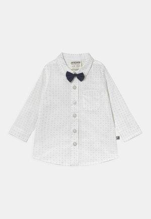 LANGARM MIT ABNEHMBARER FLIEGE CLASSIC BOYS - Shirt - weiß