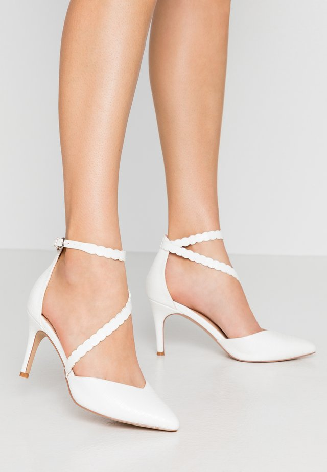 CINDERS - Classic heels - white